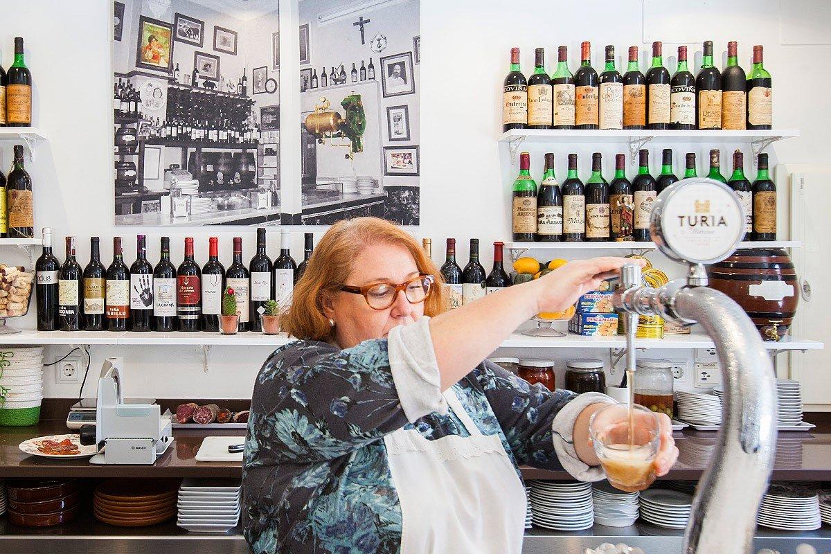 Cerveza Turia y vinos en Casa Guillermo - Valencia